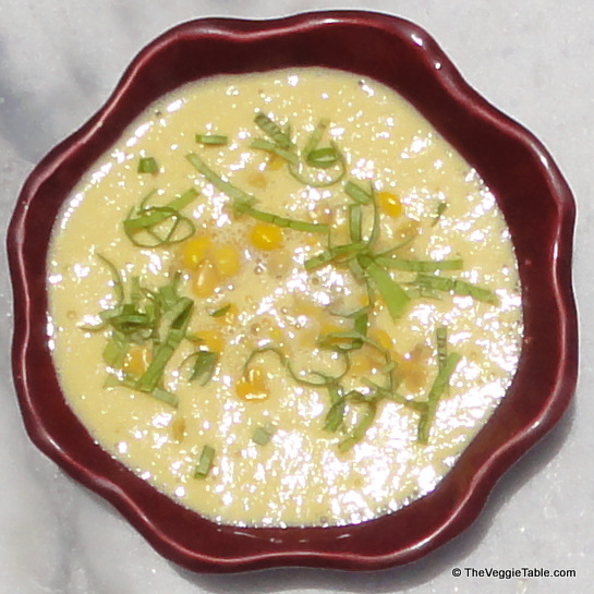 Creamy raw corn chowder